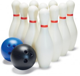 Tinkers-Giant-Bowling-Set on sale