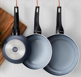 Moneta-Aria-Loose-Cookware on sale