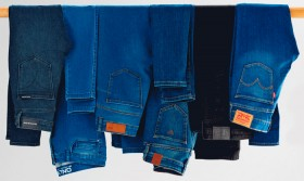 Womens-Jeans on sale