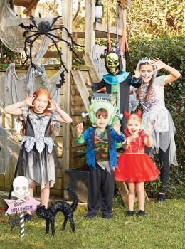 Halloween-Setting on sale