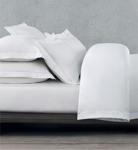 Simply-Vera-Vera-Wang-1000-Thread-Count-Tailored-Quilt-Cover-Set on sale