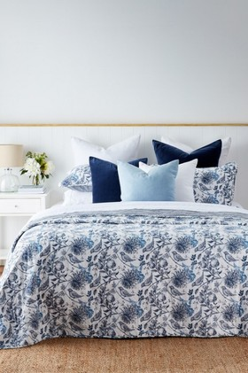 Eve-Bedcover-Set on sale