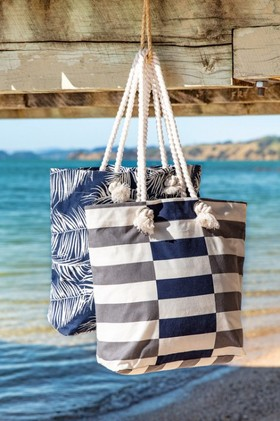 Cote-Beach-Bag on sale